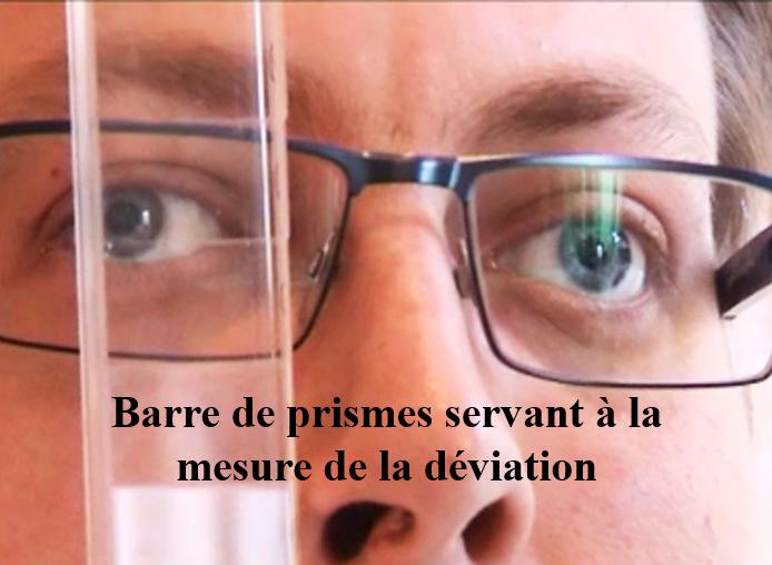 barre de prismes servant à la mesure de la déviation